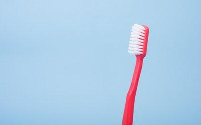 Ustna higiena pomembno vpliva na zdravje vaših zob
