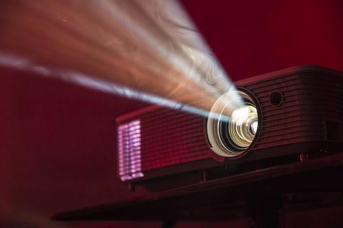 Žarnice za projektorje so lahko nepričakovan strošek ob nakupu projektorja
